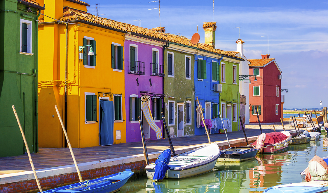 27-places-in-italy-that-dont-look-real-burano