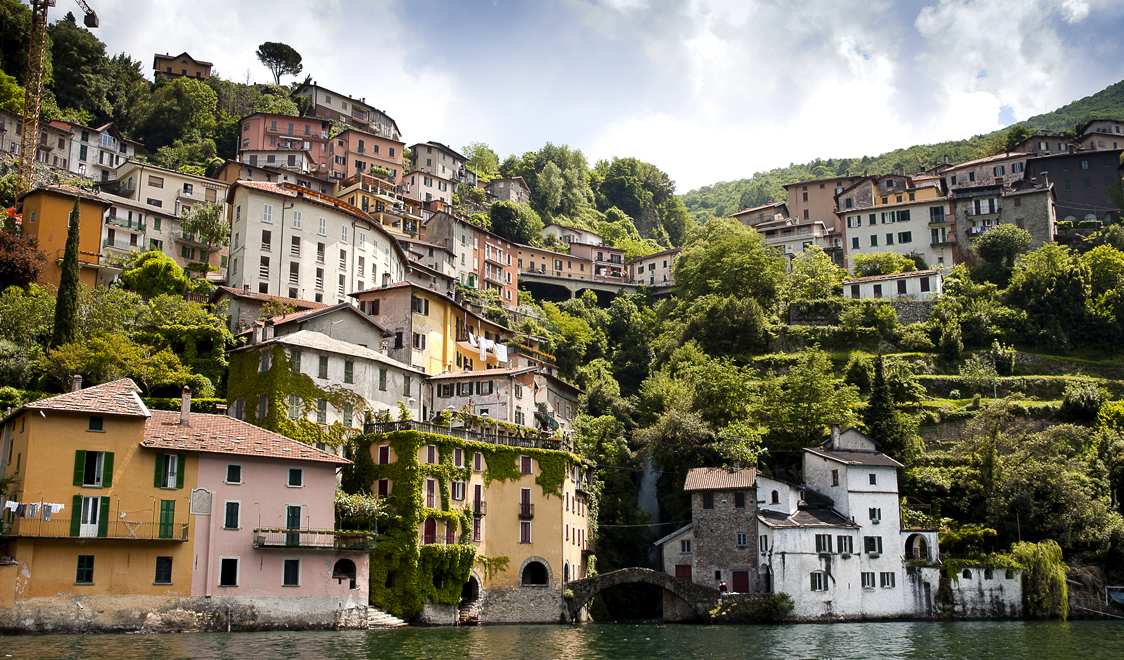 27-places-in-italy-that-dont-look-real-como