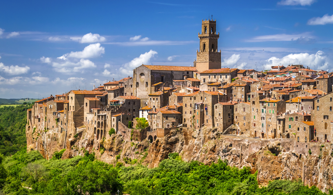 27-places-in-italy-that-dont-look-real-pitigliano