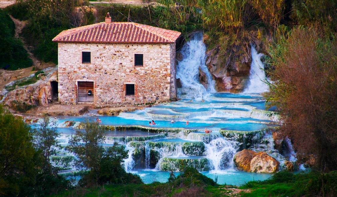 27-places-in-italy-that-dont-look-real-terme-saturnia