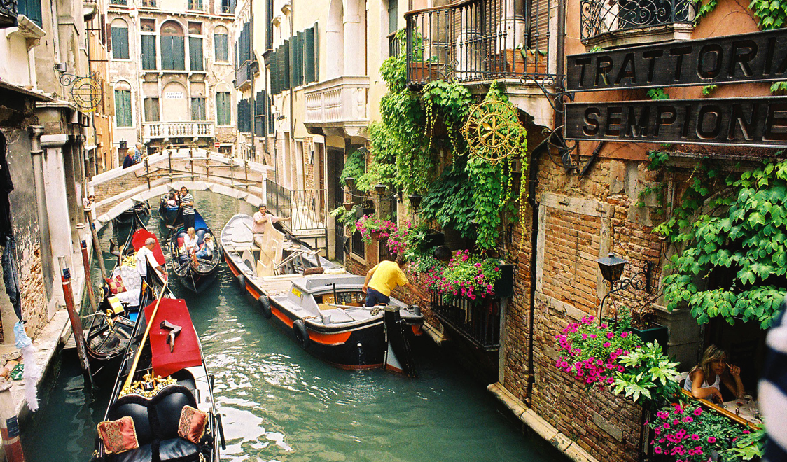 27-places-in-italy-that-dont-look-real-venice