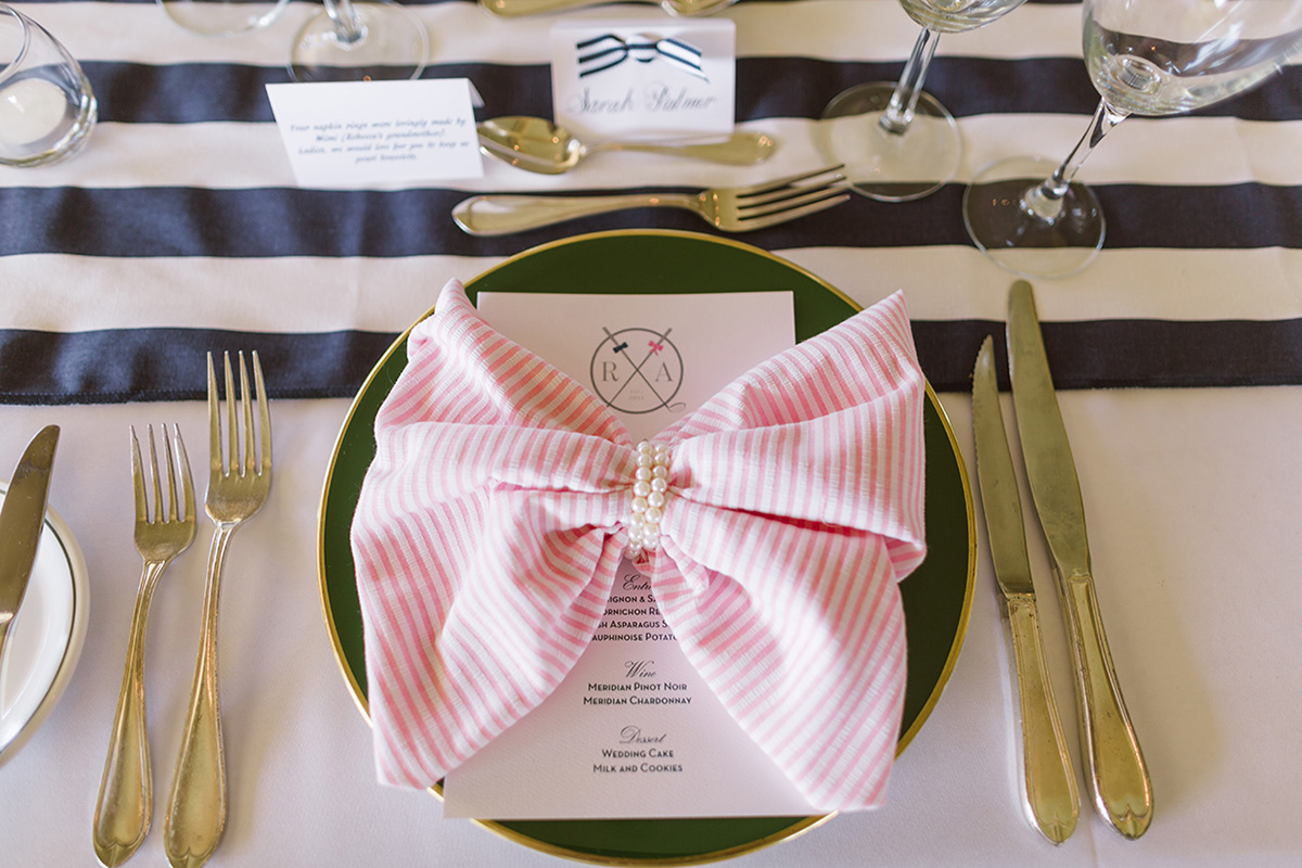 Preppy golf club wedding in Vero Beach / vitalicphoto.com