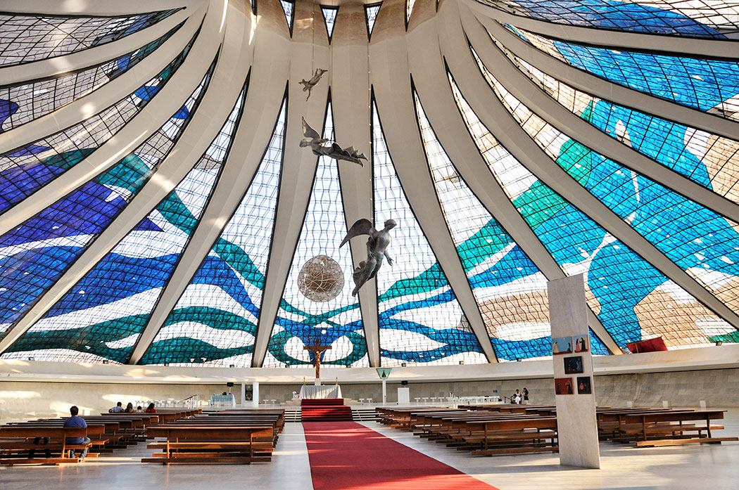 Cathedral_of_Brasilia_int_July