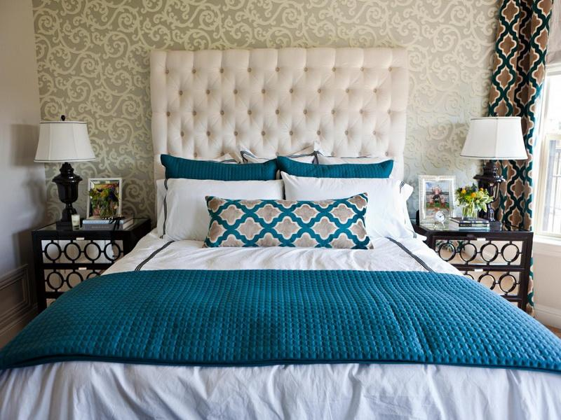 Turquoise-in-Preppy-Bedroom-Ideas
