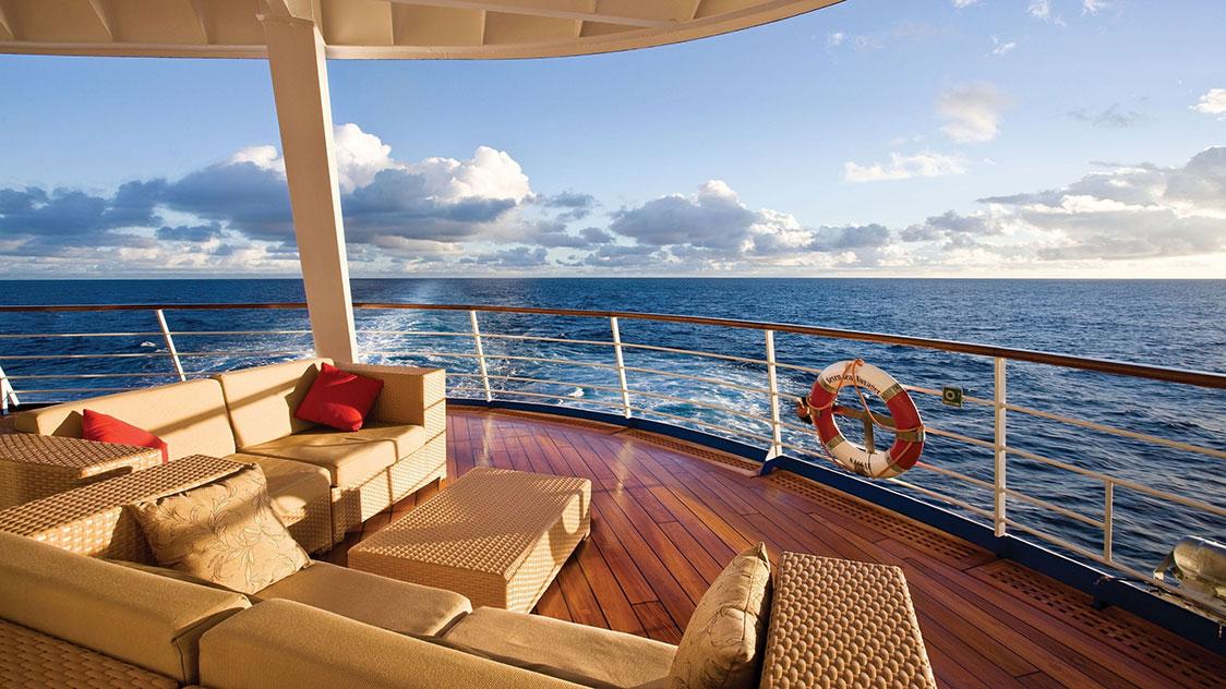 luxury-yacht-331359