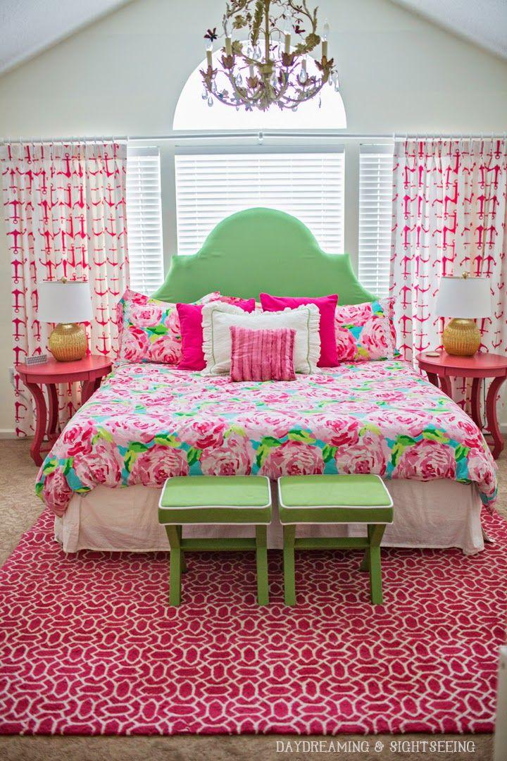 интерьер в зеленом и розовом