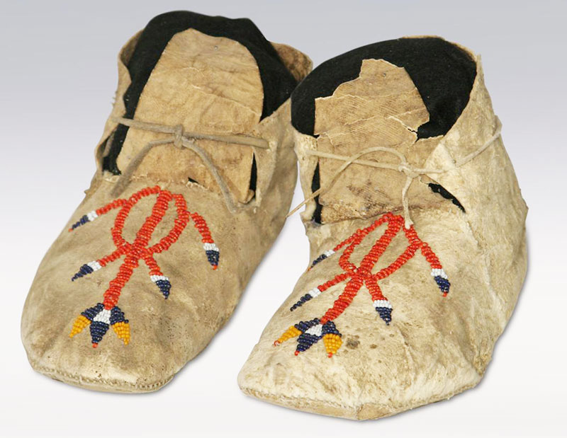 Indian-Beaded-Moccasins
