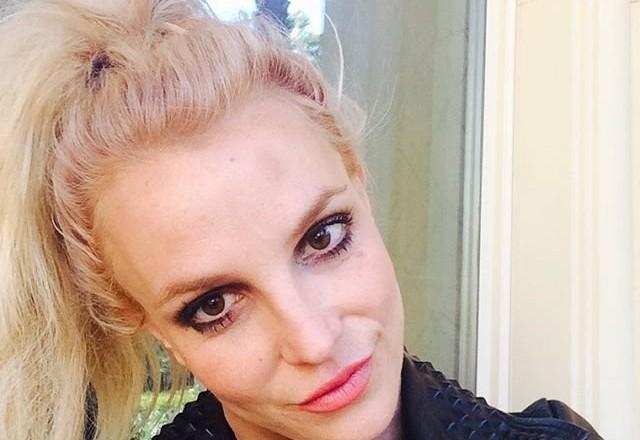 Певица Бритни Спирс повредила голову шестом