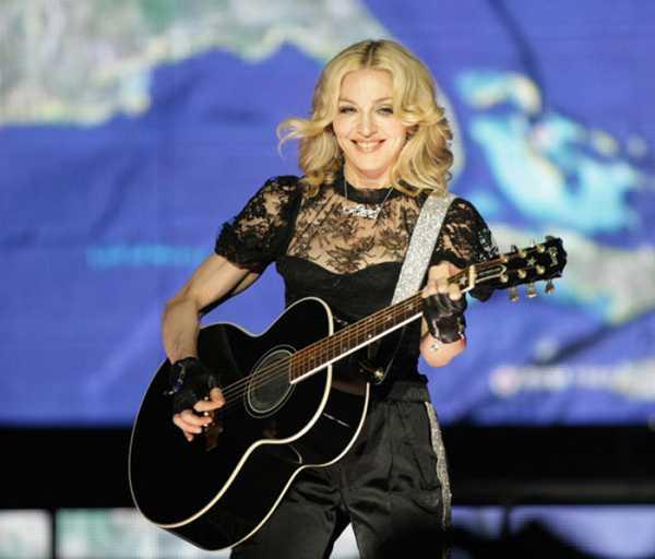 На концерте пьяная Мадонна пародировала деревенский акцент жителей Кентукки